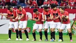 FCソウル戦で先制ゴールを決め、イレブンと喜ぶ浦和の宇賀神(右端)=共同