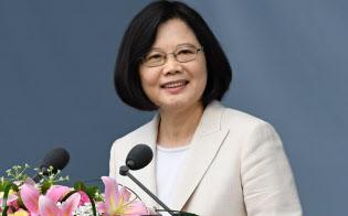 就任式典で演説する蔡英文台湾新総統(5月20日、台北市)