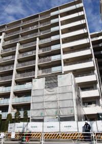 施工不良で傾斜したマンション(横浜市)