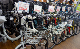 電動自転車は子供を持つ親に欠かせない乗り物に(東京都品川区のサイクルスポット武蔵小山電動館)