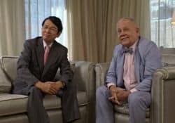 著名投資家のジム・ロジャーズ氏(右)と対談する筆者(ニューヨークで)