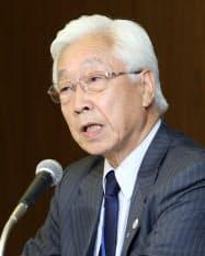 NHKの経営委員長に選出され記者会見するJR九州の石原進相談役(28日夜、東京都渋谷区)