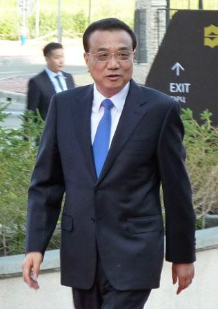 ASEM首脳会議の会場に向かう中国の李克強首相(15日、ウランバートル)=共同