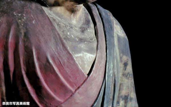 「唐招提寺御影堂 鑑真和上坐像」=撮影・入江泰吉、奈良市写真美術館提供