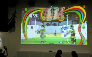 メーン会場で活躍する高輝度プロジェクター(パナソニックセンター東京)