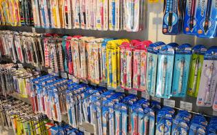 筆記具売り場でも高機能品が幅をきかせつつある(東京都渋谷区の渋谷ロフト)