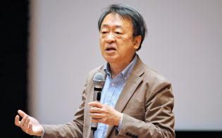 いけがみ・あきら ジャーナリスト。東京工業大学特命教授。1950年(昭25年)生まれ。73年にNHKに記者として入局。94年から11年間「週刊こどもニュース」担当。2005年に独立。主な著書に「池上彰のやさしい経済学」(日本経済新聞出版社)「いま、君たちに一番伝えたいこと」(同)「池上彰の18歳からの教養講座」(同)。新著「池上彰の君たちと考えるこれからのこと」(同)。長野県出身。66歳