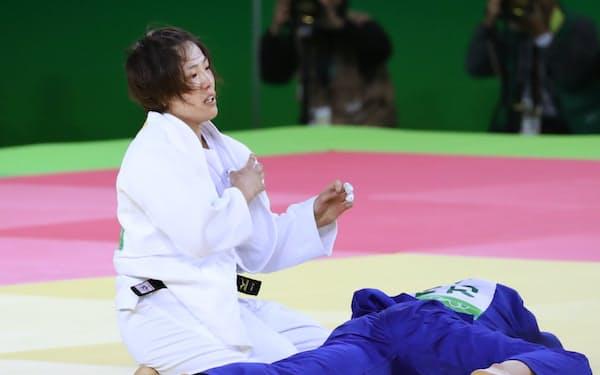 柔道女子70キロ級準決勝で、ドイツ選手を破った田知本遥=写真 玉井良幸
