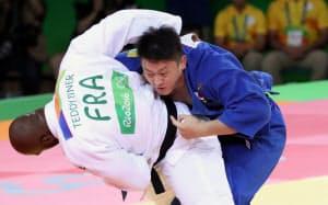 柔道男子100キロ超級決勝でフランスのリネールに敗れた原沢=写真 玉井良幸