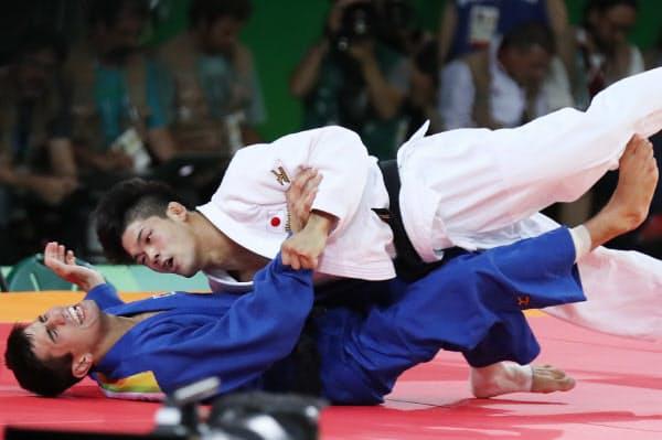 柔道男子73キロ級決勝でアゼルバイジャンの選手に一本勝ちした大野将平=写真 玉井良幸
