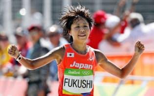 日本勢最高の14位だった福士。ただ、コース取りが良くなかった=共同