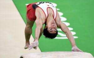 体操種目別跳馬で銅メダルを獲得した白井=写真 柏原敬樹