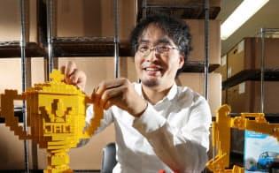 世界で13人しかいないレゴ認定プロビルダーの三井淳平さん(東京都世田谷区)