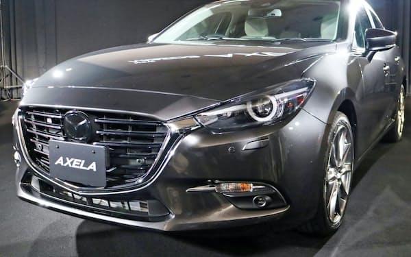 マツダは7月に一部改良した主力車「アクセラ」でマシーングレーを国内初導入した