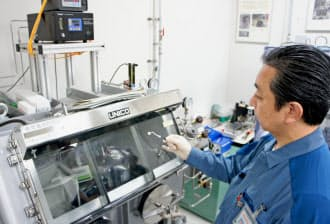 容量が3倍以上の蓄電池を開発する(東電HDの経営技術戦略研究所、横浜市)