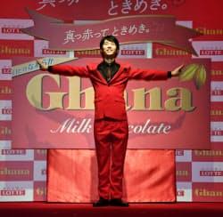 菓子メーカー、ロッテのイベントに出席した羽生結弦選手(29日、東京都内)=共同
