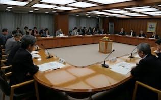 全国地方銀行協会は上期の基本問題調査会のテーマにフィンテックを掲げて議論している(2016年7月、東京都千代田区)