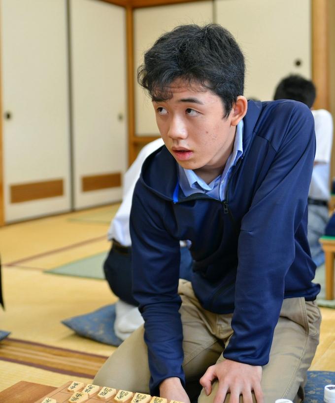 中学生棋士、天才の系譜 最年少14歳2カ月棋士誕生: 日本経済新聞