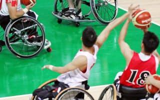 試合会場での練習に励む車いすバスケ男子日本代表(5日、リオデジャネイロ)=寺沢将幸撮影