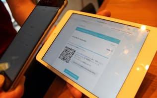 ビットコインの支払いはスマホでQRコードを読み取って決済する