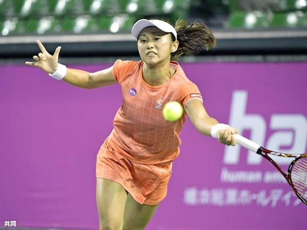 シングルス1回戦で敗れた土居美咲(13日、有明テニスの森公園)=共同