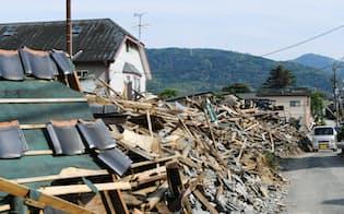 熊本地震で倒壊した住宅