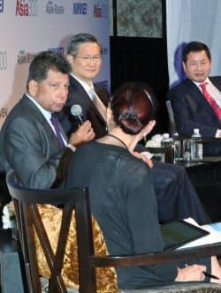 「ASEAN経済共同体の商機と課題」をテーマに討論する(左から)ASEANビジネスクラブのマジド会長、バンコク銀行のソポンパニット頭取、FPTのビン会長兼CEO