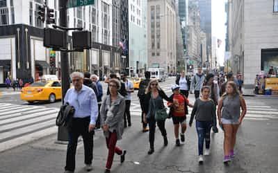ニューヨーク 5番街 雑踏