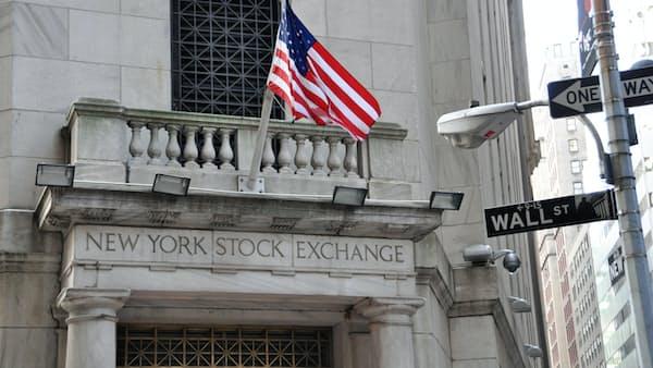 トランプ流に株価下落の警告(大機小機)
