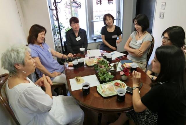 ライフネット東京が主宰する終活コミュニティーの一環として開催しているデスカフェ(東京都品川区)