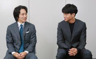 映画「聖の青春」で村山聖を演じた松山ケンイチ(左)とライバル羽生善治を演じた東出昌大
