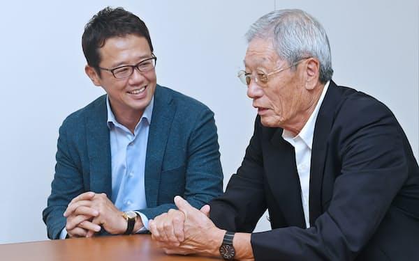 監督、選手の個性について対談する権藤氏(右)と古田氏