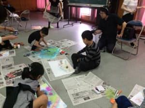 石上和也は子供たちとワークショップを開いた
