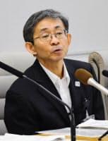 記者会見する中西充副知事(9月30日、都庁)=共同
