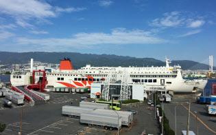 乗船した「さんふらわあごーるど」の全長は165メートル(神戸市の六甲アイランド)