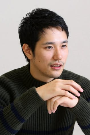 まつやま・けんいち 1985年生まれ、青森県出身。映画「男たちの大和 YAMATO」(2005年)で注目を集め、「デスノート」シリーズで人気俳優に。NHK大河ドラマ「平清盛」(12年)で主演するなど、映画、テレビドラマで活躍。