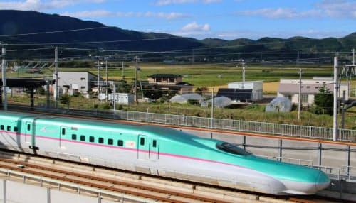 空路との競争の目安となる「4時間の壁」を切る見通しになった北海道新幹線=共同
