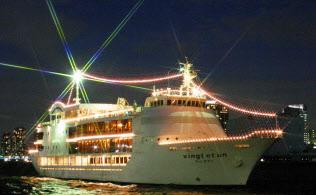 東京ヴァンテアンクルーズはクリスマス期間限定で午後10時出航のプランを設けた