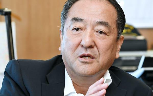 なかじま・さとし 1956年福井県生まれ。海上保安大学校卒、海上保安庁へ。海上保安監を経て6月、前任に続き史上2人目の現場生え抜きの長官に就く。