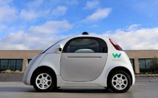 新会社のロゴを施した自動運転車のプロトタイプ
