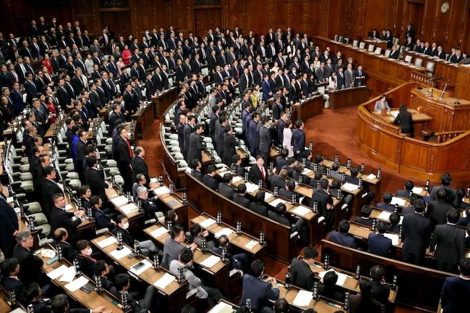 カジノ法、賛成多数で可決・成立: 日本経済新聞