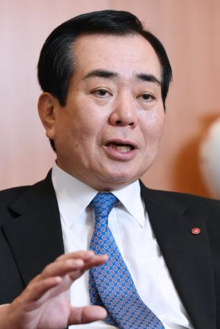 太陽生命保険の田中勝英社長