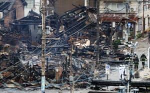 大規模火災で多くの建物が全焼した市内中心部(23日午前、新潟県糸魚川市)=小高顕撮影