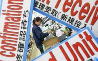 NECパーソナルコンピュータの工場はグローバル化が進み、各所の案内が英語表記に変わった(群馬県太田市)