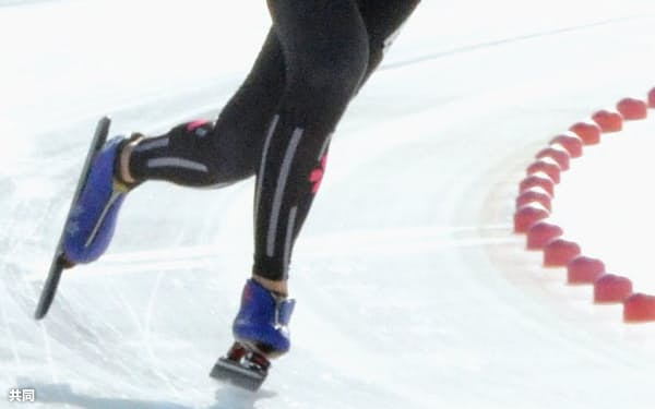 女子3000メートルで優勝した高木美帆(7日、苫小牧市ハイランドスポーツセンター)=共同