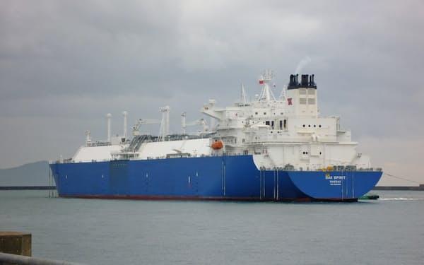 米国からパナマ運河を通ってLNGを運んできた(中部電力上越火力発電所、6日)