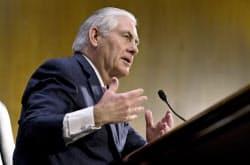11日、米次期国務長官に指名され上院の公聴会で証言するティラーソン氏=AP