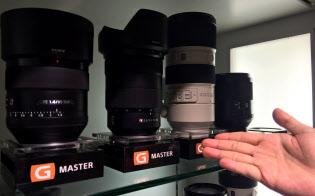 ソニーは新たに最上位レンズシリーズを立ち上げた(東京都新宿区のマップカメラ本館)
