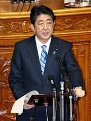 参院本会議で民進党の蓮舫代表の質問に答弁する安倍首相(24日午前)=共同