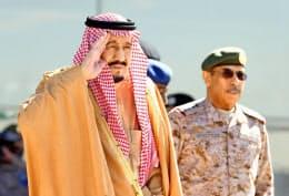 サウジアラビアのサルマン国王(左)はトランプ氏と電話で協議した=ロイター